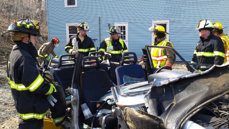 Accident Vehicle Extrication at Kneers